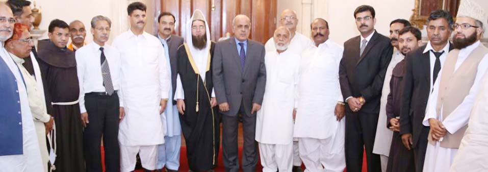 Franciscans in Pakistan share a Message of Peace with Governor of Punjab