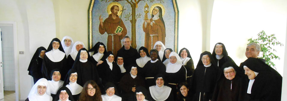 Visit to the Poor Clares affected by the Earthquake